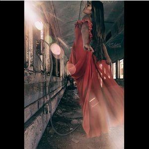 Dresses & Skirts - Floor length hi lo dress